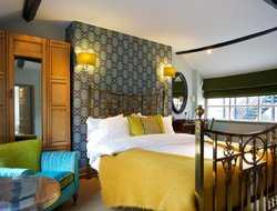 Top-4 romantic Woodstock hotels