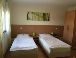 Bad Honnef hotels with restaurants
