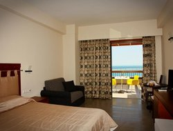Kimi hotels with sea view