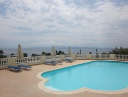 Kolios hotels with sea view