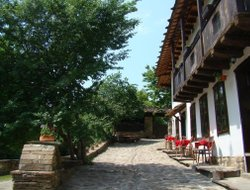 Bulgaria hotels with restaurants