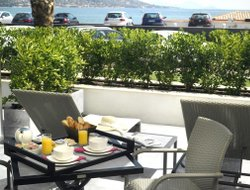 St. Maxime hotels with restaurants
