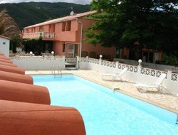 Amelie-les-Bains-Palalda hotels with swimming pool