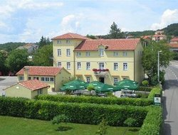 Rijeka hotels with restaurants