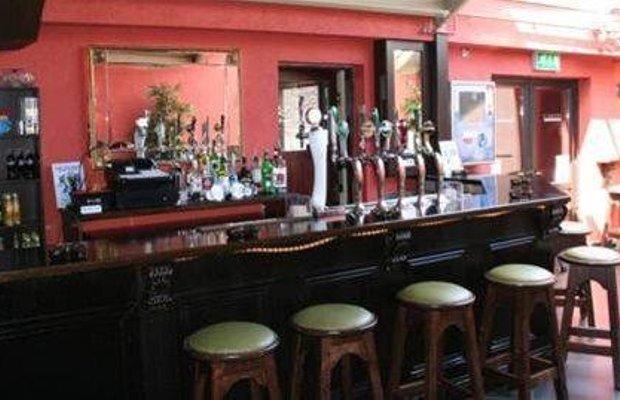 фото Ewings Bar & Accommodation 668253021
