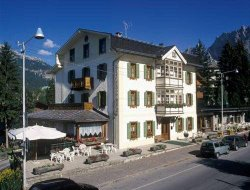 Cortina d'Ampezzo hotels for families with children