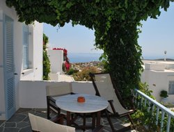 Top-9 romantic Sifnos Island hotels