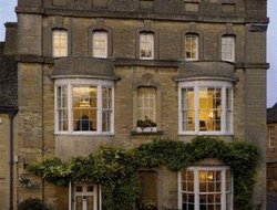 Top-6 romantic Woodstock hotels
