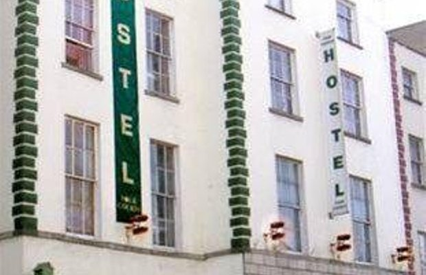 фото The Four Courts Hostel 668406262