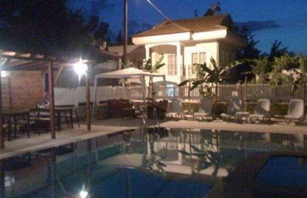 фото J & S Hotel 668491337