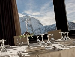Sestriere hotels with restaurants