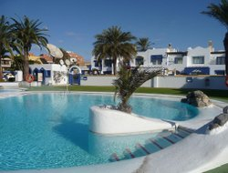 Roquetas de Mar hotels with swimming pool