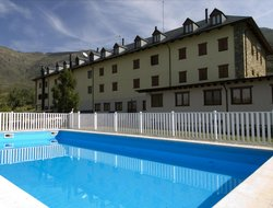 Pla de l'Ermita hotels with swimming pool