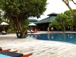 Kirinda hotels with swimming pool