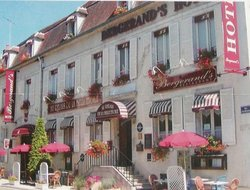 Top-3 hotels in the center of Chablis