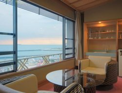 Atami hotels with sea view