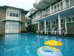 India hotels with swimming pool