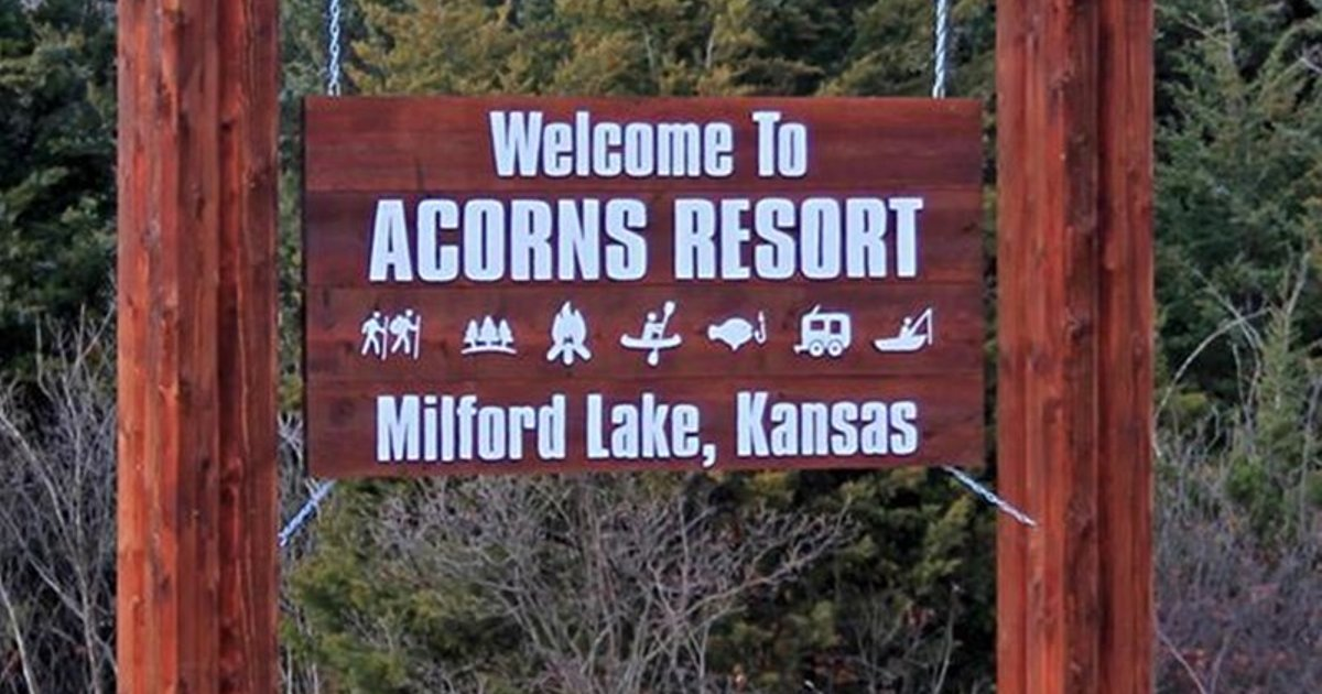Acorns Resort