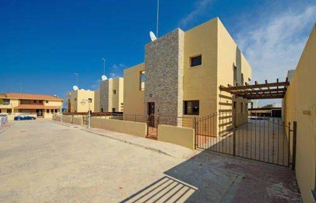 фото Mike & Lenos Tsoukkas Luxury Villas & Apts 673802293
