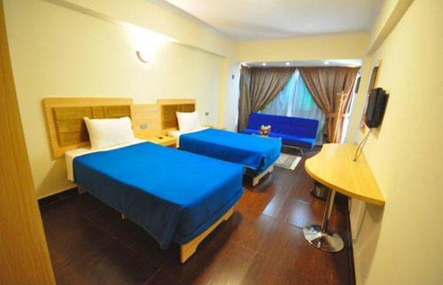 фото Holiday Hotel 674169495