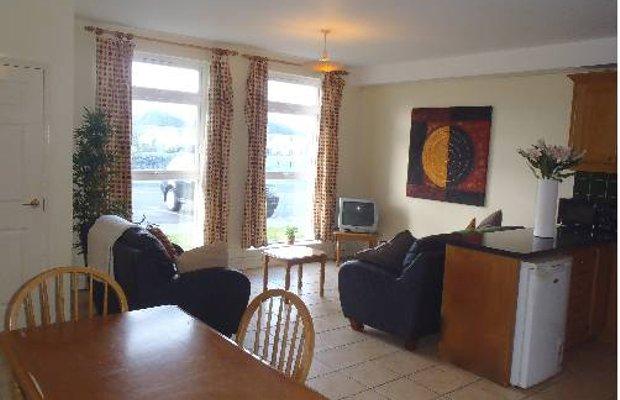 фото Glenoaks Apartments 675649042