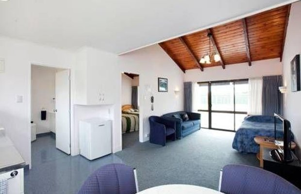 фото Accommodation at Te Puna Motel 676644427
