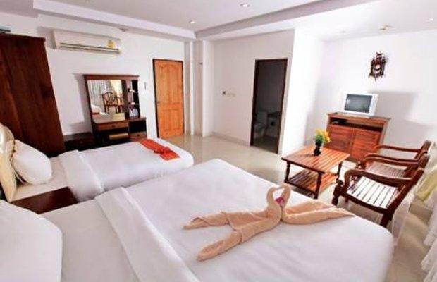 фото Phromcharoen Hotel 677200424