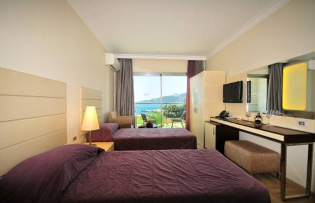 фото Blue Bays Deluxe Hotel & Spa 677235139