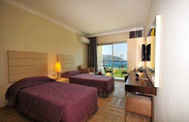 фото Blue Bays Deluxe Hotel & Spa 677235140