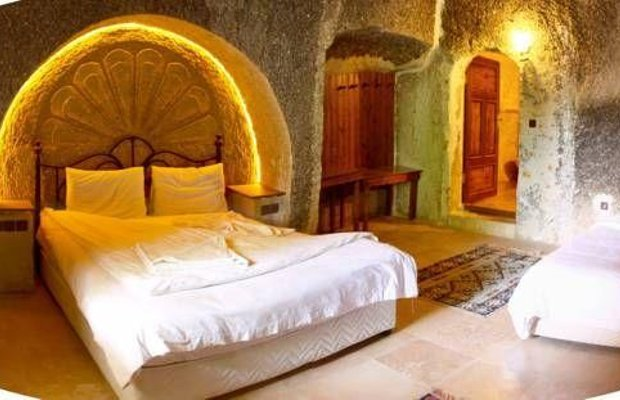 фото Flintstones Cave Hotel 677288100