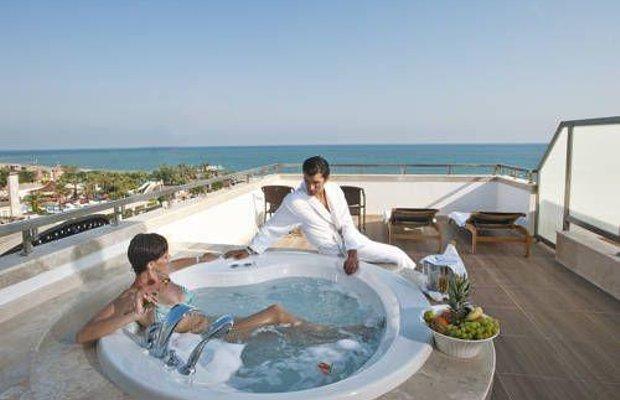фото Crystal Waterworld Resort & Spa 677305380