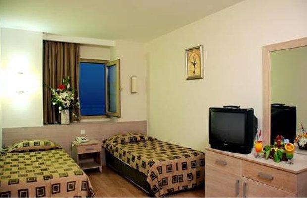 фото Hotel Side Breeze 677328420