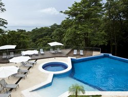 Quepos hotels with sea view