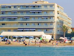 Top-6 hotels in the center of Calafell