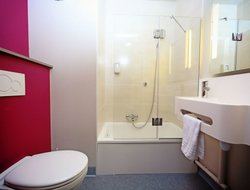 Pets-friendly hotels in Magny-le-Hongre