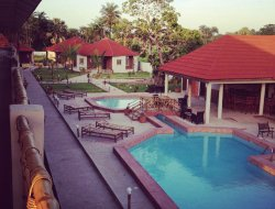 Gambia hotels with restaurants