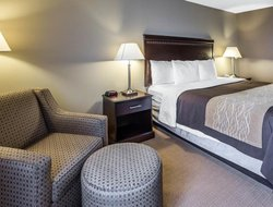 Tinley Park hotels with restaurants