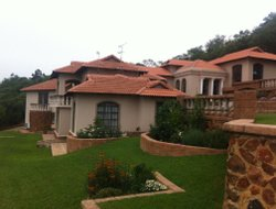 Johannesburg South hotels with swimming pool