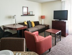 Pets-friendly hotels in Pleasant Hill
