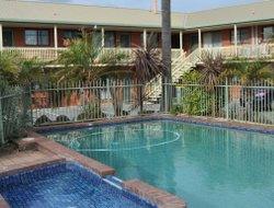 Apollo Bay hotels with swimming pool