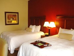 Southaven hotels with restaurants