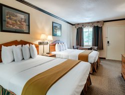 Lufkin hotels with restaurants