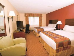 Pets-friendly hotels in Evansville