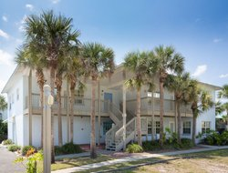 New Smyrna Beach hotels with sea view