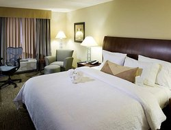 Duncanville hotels with restaurants