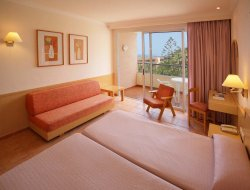Top-4 romantic San Agustin hotels