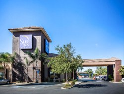 Business hotels in Bakersfield