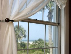 Saint Augustine Beach hotels with swimming pool