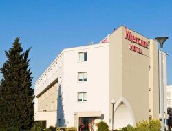 Valence hotels with restaurants