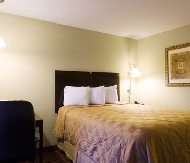 MainStay Suites Hotel Rogers